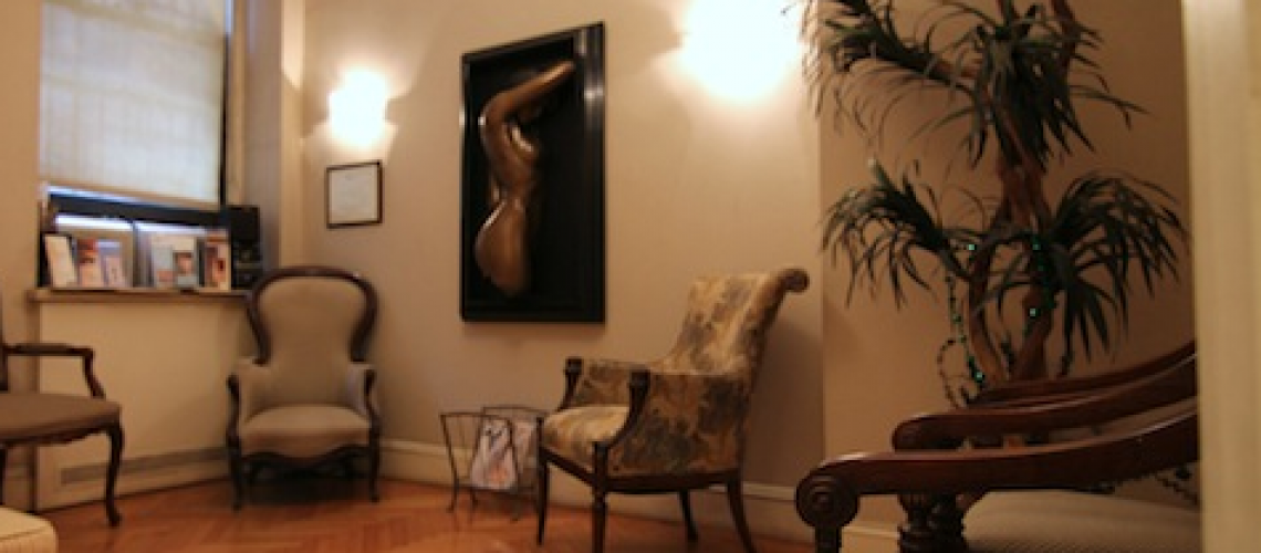 This is a picture of the waiting room of Natural Look Institute's Clinic in New York. Natural Look Institute is a plastic surgery and cosmetic surgery clinic located in New York City. Dr. Shahar is the best plastic surgeon in NYC